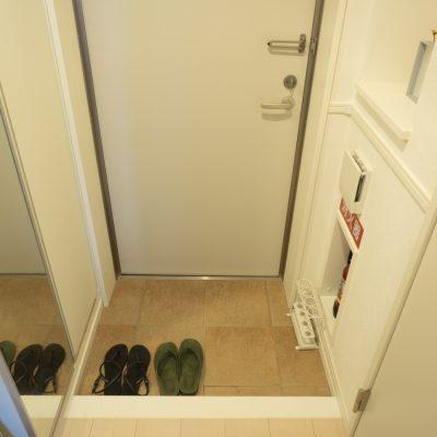 小さな玄関