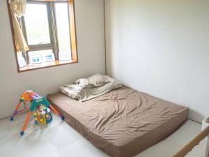 寝室とキッズスペース